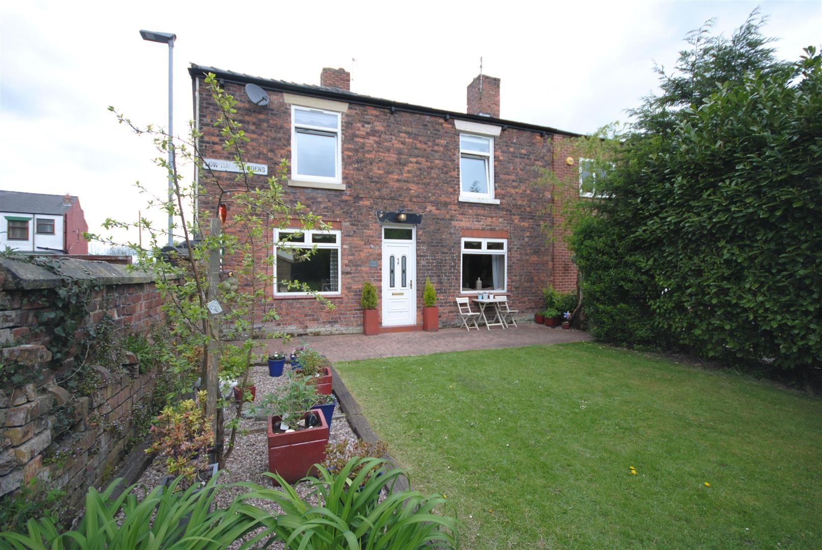 3 Bedrooms Property for sale in Low Hall Gardens, Platt Bridge, Wigan